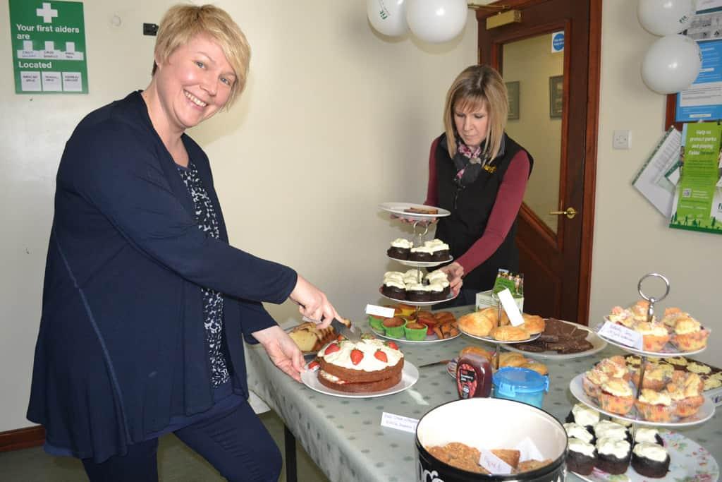Sarah cake cutting